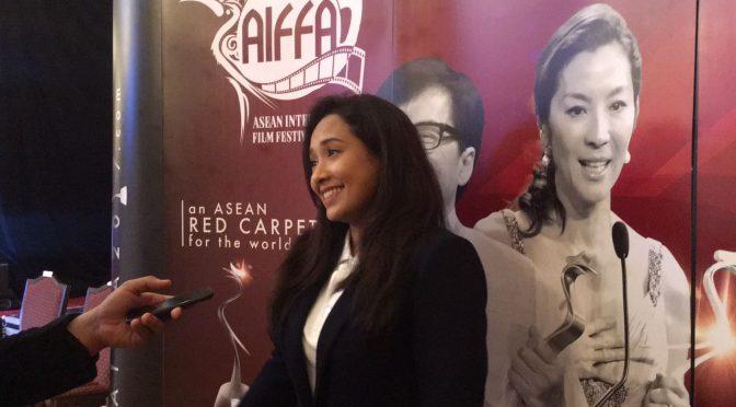 Vanida Imran yang juga sangat mudah didekati memberikan respon yang positif kepada AZAM Sarawak.